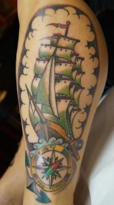 Ziguri_Tattoo_Berlin_Schöneberg_Segelschiff_Kompass