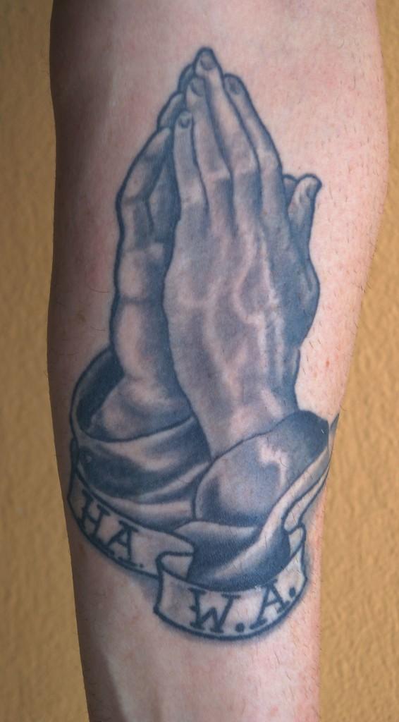 Ziguri#Tattoo#Berlin#Schöneberg#Betende Händetattoo