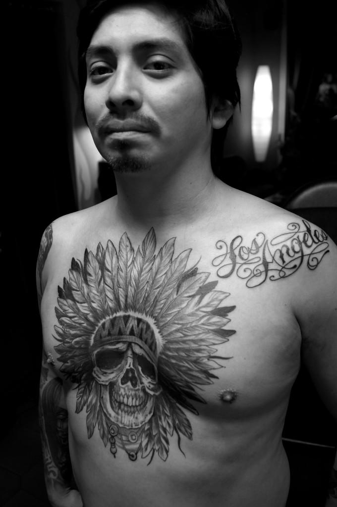 Ziguri#Tattoo#Berlin#Schöneberg#Brusttattoo#Chestpiece#Inianerskull#Losangelestattoo